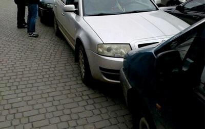 Во Львове водитель перепутал педали и разбил шесть авто