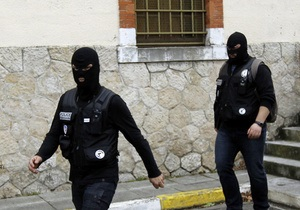 Брат стрелка из Тулузы доставлен в антитеррористическое подразделение полиции Франции