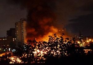 новости Киева - Оболонь - рынок Оболонь - пожар на рынке Оболонь - Героев Днепра - Пожар на рынке Оболонь: озвучены две версии возгорания