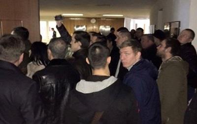 Конфликт в Днепропетровске: полиция сообщила детали
