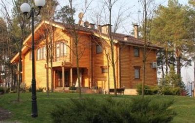 Охотничий дом Януковича полностью разграблен