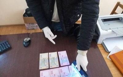 В Тернопольской области чиновник вымагал взятку у переселенца с Донбасса