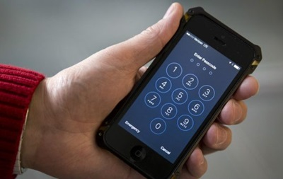 Apple: Требование ФБР взломать iPhone создает опасный прецедент