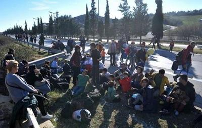 На границе Греции и Македонии заблокированы тысячи мигрантов