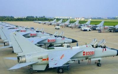 Китай разместил свои истребители на спорных островах - СМИ