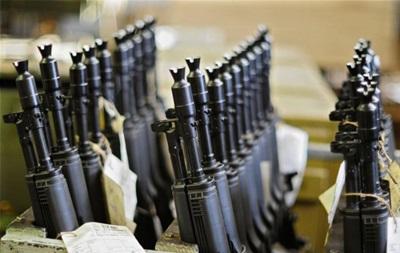 РФ подарила Афганистану 10 тысяч автоматов Калашникова