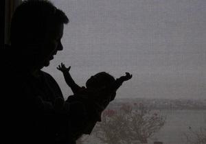 Янукович подписал закон об увеличении пособия при рождении ребенка