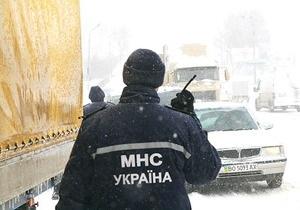 новости Житомирской области - непогода - погода - дороги - В Житомирской области затопило дорогу общегосударственного значения