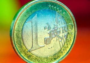 Евро незначительно вырос на межбанке