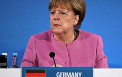 Меркель призвала ускорить судебное преследование мигрантов-преступников