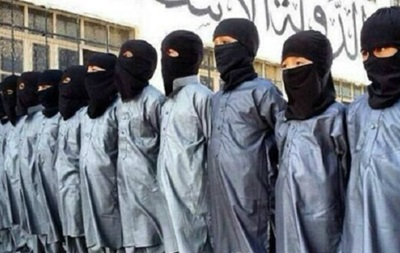 Доклад: боевики ИГ приучают детей к насилию
