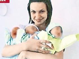 В Днепропетровске медсестры устроили фотосессию с недоношенными младенцами
