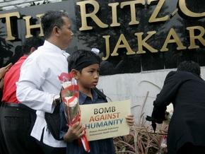 При взрывах в Джакарте пострадали восемь американцев