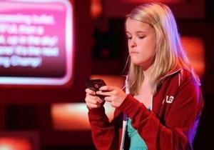 Двадцатилетие смс: Факты и цифры о самом популярном способе общения
