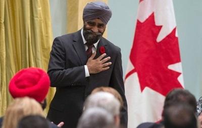 Глава Минобороны Канады едет в Украину