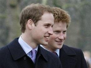 Принцы Уильям и Гарри пройдут обряд посвящения в военные летчики