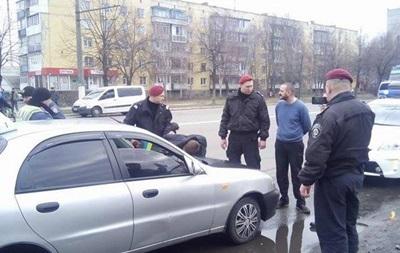 Патрульного Киева задержали пьяным за рулем такси