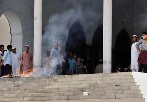 Массовые протесты исламистов в Бангладеш: четыре человека погибли, 200 пострадали