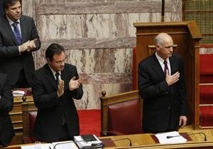 Парламент Греции поддержал закон о резком сокращении госрасходов в обмен на кредиты