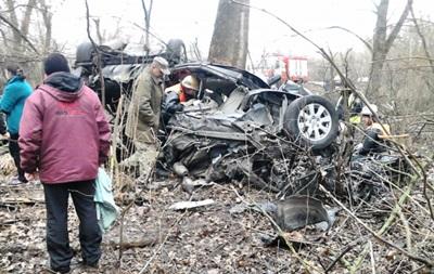 В Киевской области Toyota слетела в кювет: трое погибших