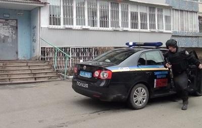 В Киеве квартирный вор спрятался от полиции в диване