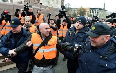 Латвийская полиция отпустила журналиста Филлипса