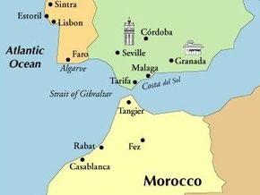 Перевернулась лодка, перевозившая в Испанию 60 мигрантов: живыми найдены 10 человек