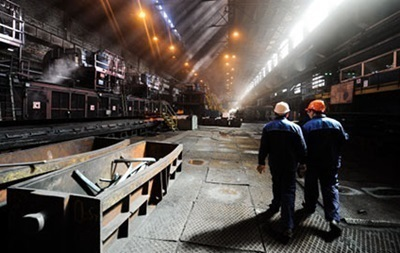 Экономика Украины ускорила падение