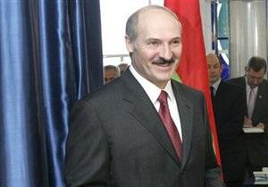 Лукашенко подписал закон, упрощающий участие партий в выборах