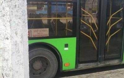 В Харькове пассажир умер в троллейбусе