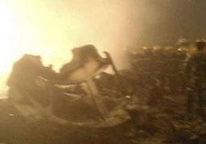В Китае самолет с сотней пассажиров загорелся при посадке: погибли 42 человека