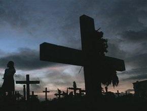 Вандалы разгромили кладбище в Киевской области