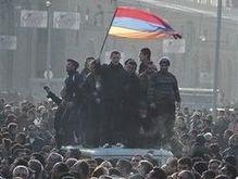 Полиция Армении призывает беспрекословно подчиняться режиму ЧП