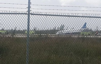 На Багамах аварийно приземлился пассажирский самолет