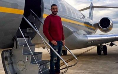 Нападающий Реала Карим Бензема купил себе самолет
