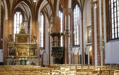 Берлинский епископ выступил за венчание гомосексуальных пар