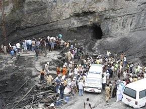 Взрыв на шахте в Индонезии: около тридцати погибших