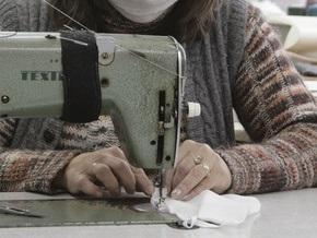 Заключенные Одесской женской колонии сошьют миллион марлевых повязок