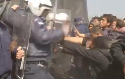 На границе Греции и Македонии беженцы подрались с полицией