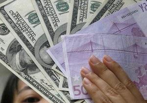 Торги на межбанке открылись в диапазоне 7,98-7,99 гривны за доллар