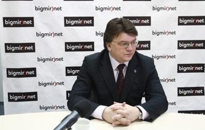 Министр молодежи и спорта заработал 99 тысяч гривен