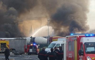 В промзоне во Франции прогремели взрывы