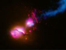 Астрономы впервые рассмотрели черную дыру в центре Млечного Пути