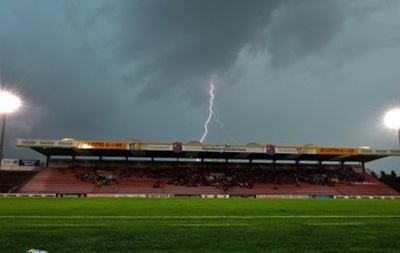 В Малайзии молния чуть не убила двух футболистов