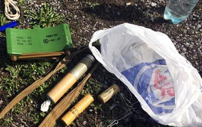 В Донецкой области при задержании мужчины со взрывчаткой пострадал коп