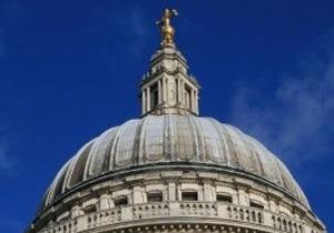 Албанец забрался на купол Собора святого Петра в Ватикане