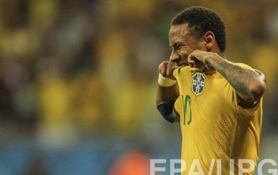 Неймара хотят лишить капитанской повязки сборной Бразилии