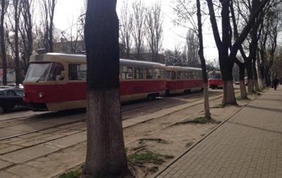 В Киеве возникла пробка из 13 трамваев
