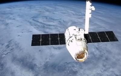 Корабль Dragon привез на МКС воду, мышей и раскладной модуль