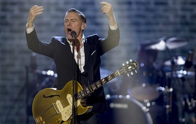 Брайан Адамс отменил концерт в Миссисипи из-за  дискриминации геев